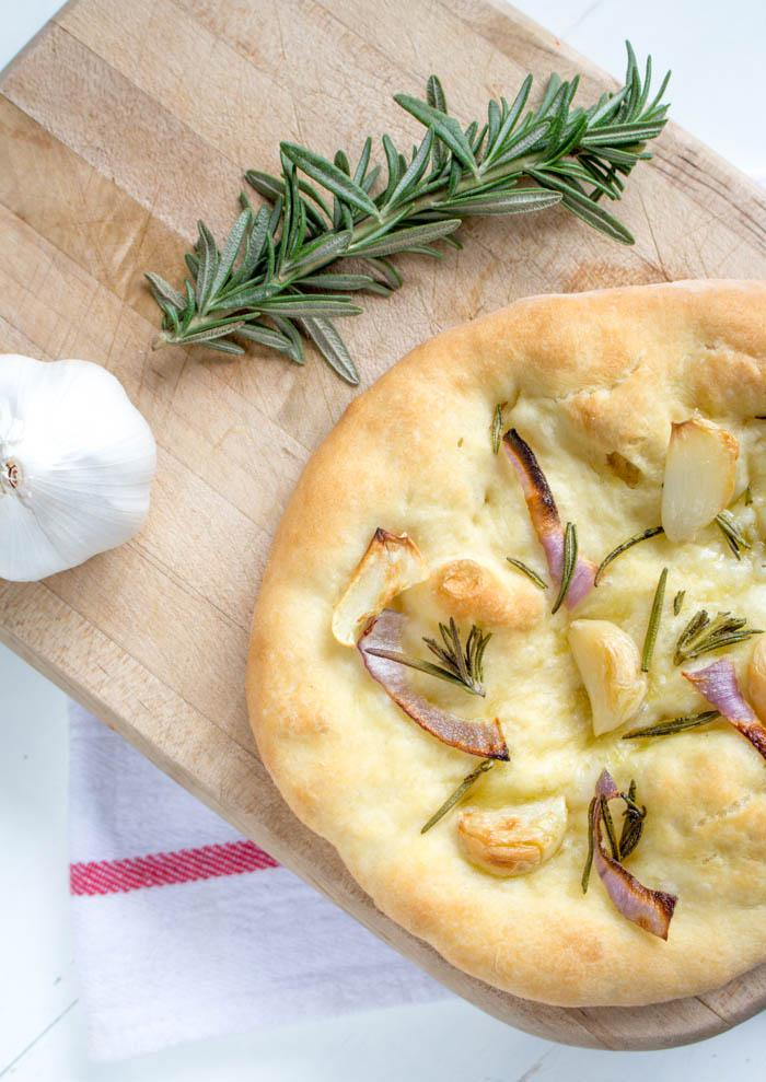 Rosemary Pizza Top