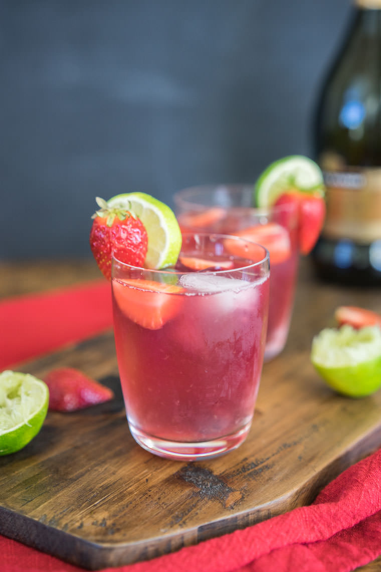 Sparkling Sangria | New Year's Eve Recipes To Serve At Your Cocktail Party | New Year's Eve Recipes